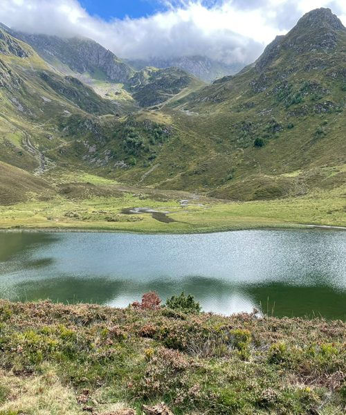 Retraite yoga ânes et rando - Pyrénées - Septembre 2021 - lac de montagne