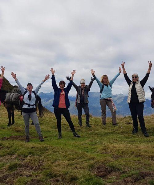 Retraite yoga et ânes - Photo du groupe - Pyrénées - Septembre 2021 - le Yoga de Fanny